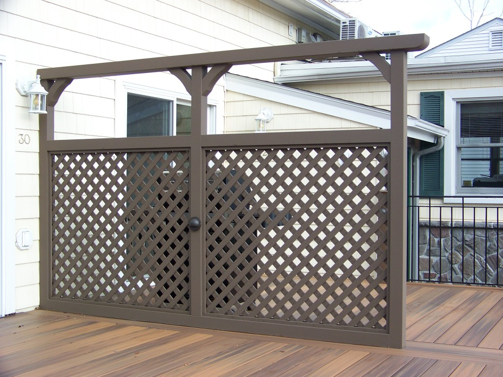 1000 images about garden dividers trellises on pinterest for Deck dividers for privacy
